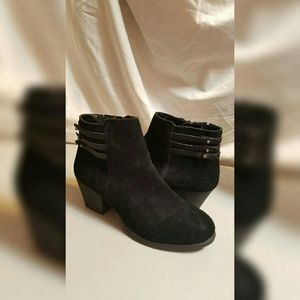 White Mountain  Shoes - ANKLE BOOTS