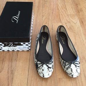 Delman Shoes - Vero Cuoio soles snake leather ballet flats.