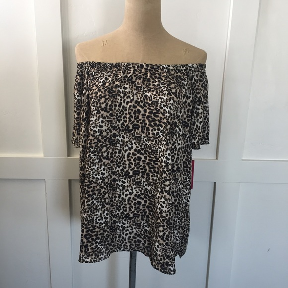 Vince Camuto Tops - Vince camuto animal print top