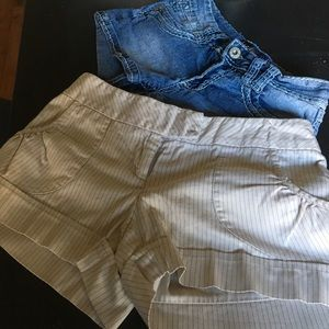 Pants - Lot: 2 pair shorts. Jeans and cream pinstripe.