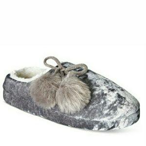 INC International Concepts Shoes - 🆕INC Faux Fur Crushed Velvet Slippers