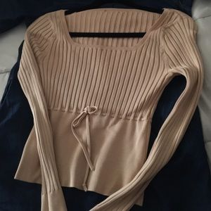 Tops - Nude sweater or top