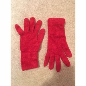 Accessories - Red winter gloves❤❄️