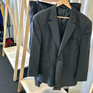 Jos A. Bank Other - MENS: Joseph A. Bank Charcoal Gray 2-Piece Suit
