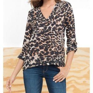 ALLOY Tops - NWT Alloy Leopard print V-neck blouse size M