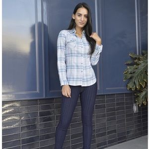 Tops - 😻 Plaid long sleeve shirt size M-XL
