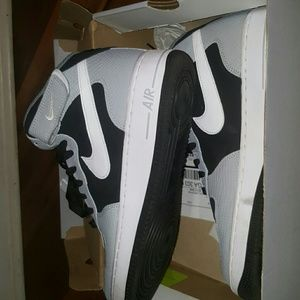 Nike Other - Nike Air Force 1 Mid 07