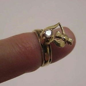 Jewelry - Pinky 14k gold diamond ring with rotating heart