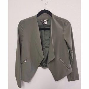 Chic collarless olive green blazer    h&m