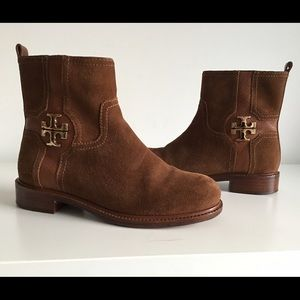 TORY BURCH ALAINA ALMOND SUEDE ANKLE BOOTS, SIZE 6