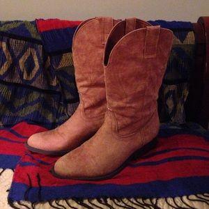 Rampage Shoes - Tan brown Rampage midi cowboy boots size 7.5