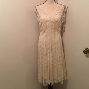 Ice Dresses & Skirts - 💋1 HR SALE💋NWT ICE sz 6 CREAM LINED LACE DRESS