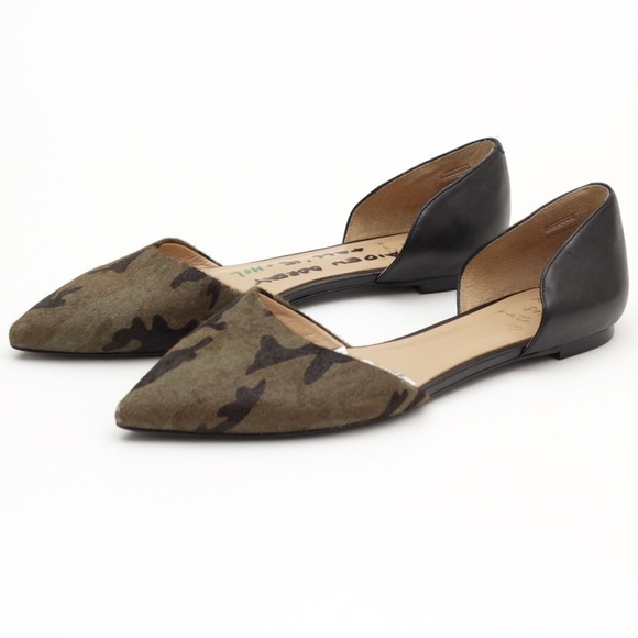 e1b9fb9794b Banana Republic Shoes - Banana Republic D Orsay Aiden Camo Flats