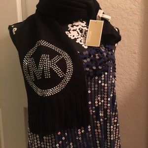 MICHAEL Michael Kors Accessories - ✨Micheal Kors Black Scarf w/Sparkles ✨