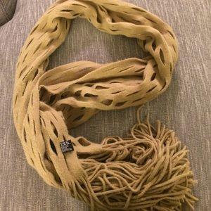 Accessories - Tan Magotuscia scarf