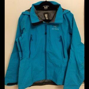 Arc'teryx Jackets & Blazers - NWOT Arc'teryx Beta AR Jacket Women's M