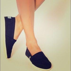 TOMS Shoes - Black Corduroy Blue Suede Shoes Flats