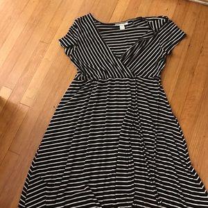Dresses & Skirts - Motherhood Maternity dress