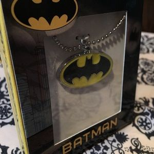 DC Comics Other - UNISEX-NWT Batman Necklace Save on S/3