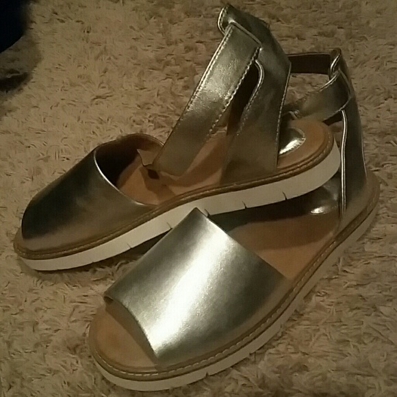 9ed4ed1045c7 Clarks Shoes - Clarks Lydie Hala Leather Silver Sandal