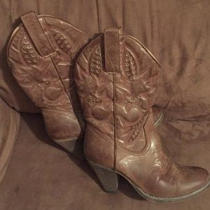 """Volatile Shoes - 💥Priced to sell.💥Very Volatile """"Denver"""" Boots"""
