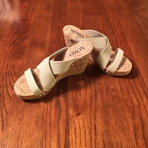 XOXO Shoes - 🌵NWOT  cute platform sandals Purchased at Macy's