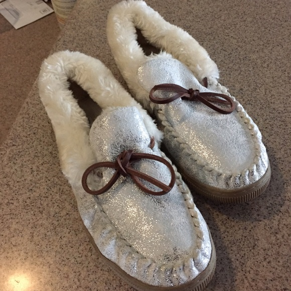 abound shoes house slippers poshmark