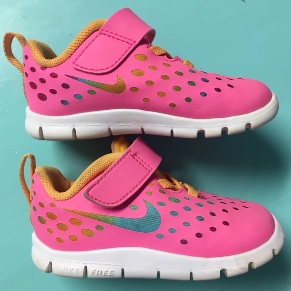 newest collection 776ef 507f1 Toddler Girl Nike Free Express Shoes. M 586544c42de51297b400d8c7