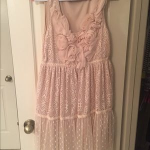 Ryu Dresses & Skirts - Blush/beige sleeveless dress