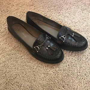 b. makowsky Shoes - B Makowsky tassel loafer never worn