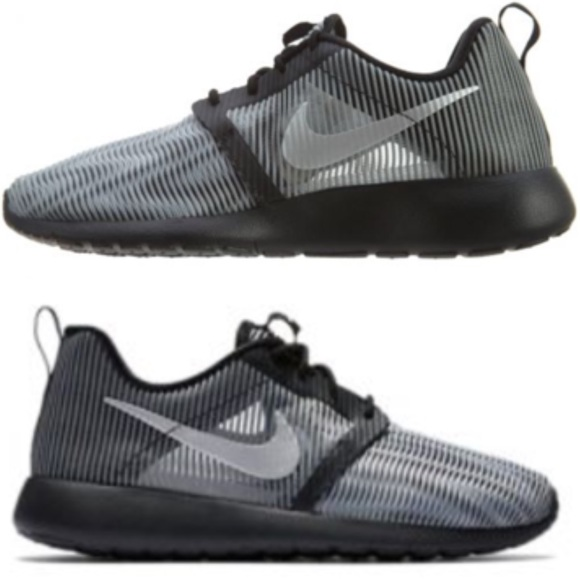 cheap for discount 0cfee 5ed74 NWOT Nike roshe one flight weight (GS) shoes