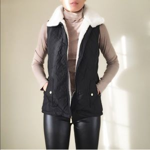 MUST HAVE Quilted vest with full shearling lining
