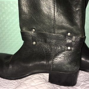 No. 704 b.  Shoes - No 704 b. Sz 38. Leather boots adorned with bow