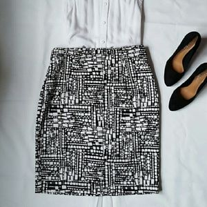 Worthington Suiting Black and White Pencil Skirt