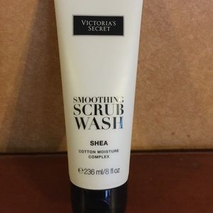 39% off Victoria's Secret Other - New VS Smoothing Scrub ...