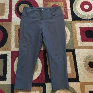Nike Pants - Nike Capri Size Medium
