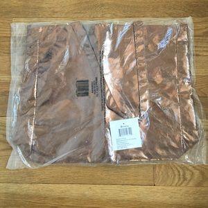 Handbags - 🎉2 for $12 Sale 🎉 Large Bronze Metallic Tote