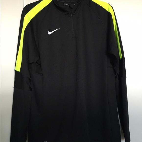 Nike soccer pullover