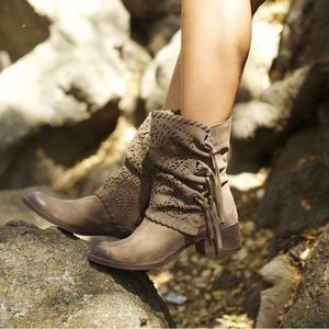 naughty monkey Shoes - Laser Cut Fringe Suede Combat Boots
