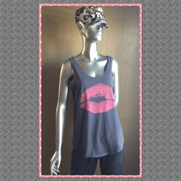 Recycled Karma Tops - 👄Gray Tank with Pink Lip Design