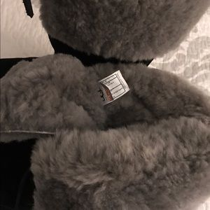 c4d3d19980c Black Uggs with Gray Fur & Metal Heel Tag Size-6
