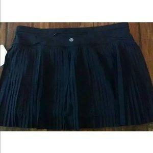 lululemon athletica Dresses & Skirts - Lululemon Pleat to Street Skirt