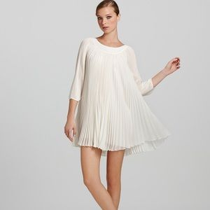 ERIN by Erin Fetherston Dresses & Skirts - Erin Fetherston 3/4 sleeve pleated mini dress