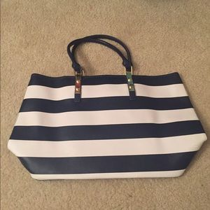 Navy stripped tote