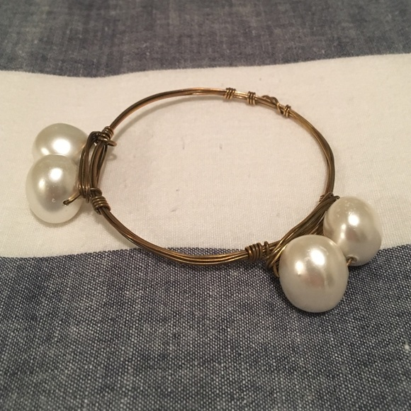 Bourbon and Bowties Jewelry - Pearl Bourbon & Boweties
