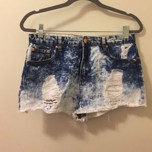 Forever21 distressed jean short blue & white