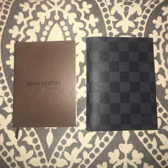 5e1884180a92 Louis Vuitton Accessories