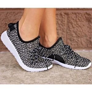 Shoes - Flyknit Sneakers 👟