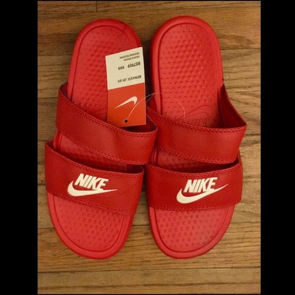 huge discount c400f e01fd NWT Nike Benassi Duo Ultra Womens Slide Sandals 8
