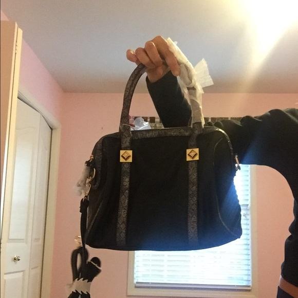 55f2e048e27d Bags | David Jones Paris Womens Tote Handbag | Poshmark